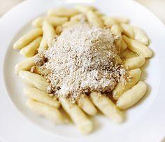 Denné menu Vranov | Zemiakové šúľance s orechovou posýpkou, mlieko - reštaurácia Hotel Patriot*** #hotel #restaurant