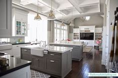 Nice 50 Stylish Gray and White Kitchen Ideas https://homstuff.com/2017/06/14/50-stylish-gray-white-kitchen-ideas/