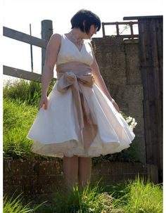 Affordable Informal V-Neck Knee Length Short Reception Wedding Dresses