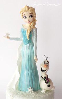 Elsa and Olaf Frozen - Cake by Torte d'incanto Bolo Frozen, Torte Frozen, Olaf Frozen Cake, Frozen Theme Cake, Olaf Cake, Elsa Cakes, Barbie Cake, Fondant Tutorial, Fondant Toppers