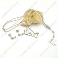 Shiny Silver Steel Love Charm Chain s001191 Item No. : s001191 Market Price : US$ 21.20 Sales Price : US$ 2.12 Category : Necklace and Earring Set