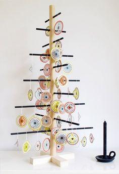 Papieren rondjes: leuk voor in de #kerstboom #kinderkamer | Circles Christmas tree #kidsroom by Een Nieuw Avontuur