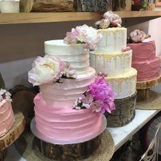 tarta buttercream degrade en rosas peonias Cake Cookies, Cakes, Desserts, Food, Roses, Tailgate Desserts, Deserts, Cake Makers, Kuchen