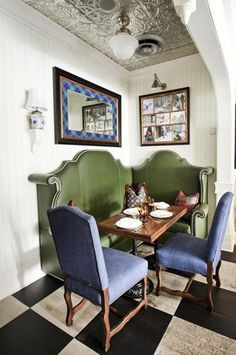Great banquette...excellent color with blue chairs.