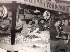 Mercado Villa de Vallecas en Madrid, Madrid Foto Madrid, Old Pictures, Street Food, Spain, In This Moment, Places, Childhood Memories, Life, Time Travel