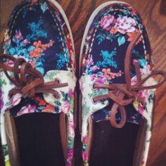Flower sperrys(: