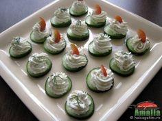 aperitiv-crema-de-branza-2 Fruit Snacks, Food Design, Mini Cupcakes, Finger Foods, Nutella, Sushi, Good Food, Food Porn, Food And Drink
