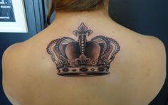 Parmi les nombreuses options de tatouages sont ceux qui sont choisis pour être plus délicate, belle et diversifiée que le tatouage de la couronne et a de belles options pour vous au-delà de la signification. Bon de la couronne des tatouages est que servir les hommes et les femmes peuvent se faire partout dans le …