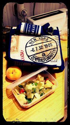 @goznari y su nuevo Snailbag Travel en el trabajo. Snailbag everywhere you go! #Snailbag #lunchbag #tuppertime #tupper #healthy #moda #chic #MadeInSpain #ShopOnline http://www.snailbag.es/shop/anytime-collection/bolsa%20porta%20alimentos%20isotermica%20para%20tuppers/lunchbag-bolso-porta-alimentos-isotermico-snailbag-travel/