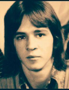 '''.Stevie Ray Vaughan young.......''' https://i.pinimg.com/originals/2a/d1/32/2ad132f676adf483f367ef4651859de1.jpg