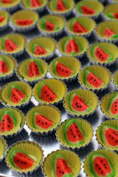 masam manis: BISKUT RAYA watermelon biscuit