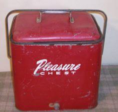 VINTAGE PLEASURE CHEST RED COOLER