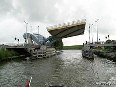 Funzug.com | Strangest Bridges Around the World | Bridge, One, Strange, Bridges, Royal
