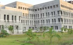 SRI LAKSHMI NARAYANA MEDICAL COLLEGE MBBS ADMISSIONS 2017 FEES STRUCTURE, NEET ELIGIBILITY CRITERIA, MANAGEMENT AND NRI QUOTA ADMISSION PROCEDURE CALL 8099811116