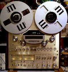 Marantz Model 7700   {I grew up with a Marantz RR, good ol' days indeed}