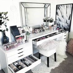 15 Impressive DIY Makeup Vanity Decoration Ideas T. - 15 Impressive DIY Makeup Vanity Decoration Ideas That You Will Love It - Makeup Vanity Decor, Makeup Room Decor, Makeup Desk, Makeup Tables, Makeup Vanity In Bedroom, Makeup Furniture, Makeup Vanity Storage, Diy Beauty Room Decor, Black Makeup Vanity