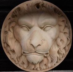 ANTIQUE CARVED PINE OF A LION'S MASK!
