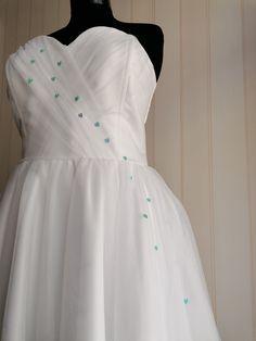 bride dress, tulle dress vintage wedding dress Rockabilly Wedding Dresses, Rockabilly Outfits, Retro Fashion, Vintage Fashion, Tulle Wedding, Lovely Dresses, Tulle Dress, Dress Vintage, Dress Making