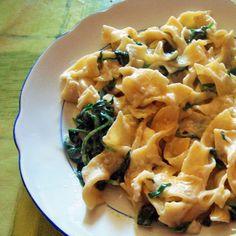 : Cestoviny s baby špenátom Pasta Salad, Macaroni And Cheese, Ethnic Recipes, Food, Crab Pasta Salad, Mac And Cheese, Essen, Meals, Yemek