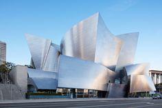 il Walt Disney Concert Hall a Los Angeles, California.frank gehry