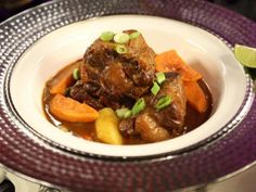 Get Spicy Jamaican Oxtail Curry Recipe from Cooking Channel Oxtail Recipes, Jamaican Recipes, Curry Recipes, Guyanese Recipes, Healthy Eating Recipes, Cooking Recipes, Oven Cooking, Oven Recipes, Kochen