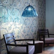 Elegancka i nowoczesna lampa Reed niemieckiej marki Koziol. Lampa daje przyjemne, relaksujące światło. Dostępna jest w kilku wersjach kolorystycznych.