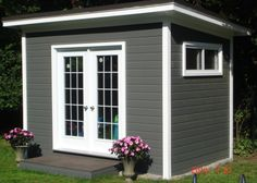 Grey Canexel Urban Studio Shed with sliding windows in Mississauga, Ontario. Backyard Office, Backyard Studio, Pool Shed, Backyard Sheds, Mini Shed, Flat Roof Shed, Tuff Shed, Pool House Designs, Craft Shed