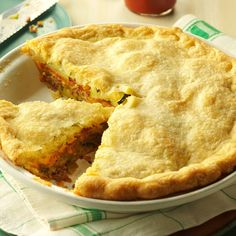 Zucchini Hamburger Pie Recipe -This is a family favorite handed down from my dear aunt. It is such a hearty pie that it satisfies the appetite well. And my family has always enjoyed the idea of having pie for supper! Hamburger Pie Recipes, Vegetarian Recipes, Cooking Recipes, Oven Recipes, Meat Recipes, Frugal Recipes, Family Recipes, Turkey Recipes, Yummy Recipes