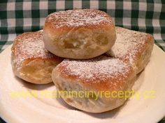 Kváskové buchty New Recipes, Hamburger, Food And Drink, Sweets, Bread, Cooking, Cake, Kitchen, Good Stocking Stuffers