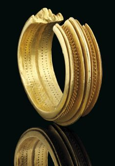 Iron age solid gold bracelet sells for at auction Iron Age, Viking Jewelry, Ancient Jewelry, Antique Gold, Antique Jewelry, Gold Jewelry, Jewellery, Solid Gold Bracelet, Gold Bracelets