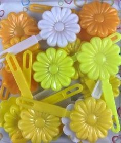 Multiple shades of yellow and White Flower snap barrette mix. These kids barrettes are perfect for all occasions. Pastel Flowers, Flowers In Hair, White Flowers, Flower Hair, Dream Catalogue, Pink Cat, Shades Of Yellow, Girls Hair Accessories, Black Hair