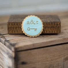 Personalised Monogram & Vintage key design wedding favour cookie