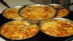 Приготовить жюльен можно и в виде замечательной закуски, которую как и основное блюдо подают горячим.