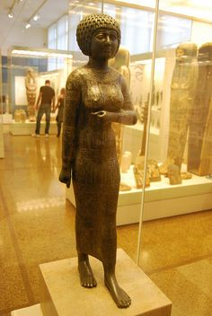Statue of princess Takushit by konde, The woman's name means 'the Ethiopian' and may refer to her relation or marriage to an Ethiopian. Her father was Akanosh II, great chief of the Ma tribe from Libya.