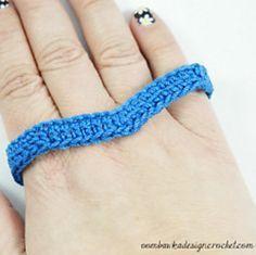 Ravelry: Simply Easy Chevron Bracelet pattern by Oombawka Design