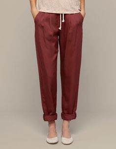 Pleated pants - Pants - Spain