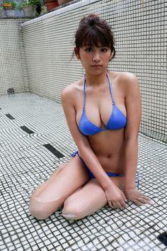 Mature Bra Tits Ass Pics