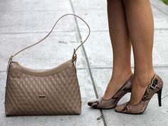 #PAEZ colección Otoño Invierno 2014. Cartera neutral y zapatos snakeprint perfecta combinación