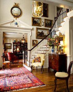 Foyer 🌹 @sikesdavisinteriors via @secretsofahostess 🦋 #foyer #foyerdecor #homedecor #interiores #interiorstylist #interiorstyling…
