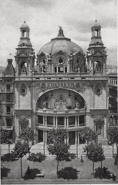 Coliseum cinema, Barcelona, Spain, built 1923. Continuous running.