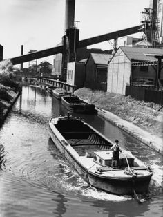 © Shirley Baker  Barges on the Bridgewater Canal, Manchester 1960