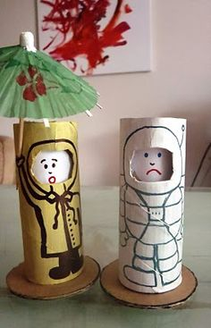 cardboard roll dolls with changing faces - so clever!