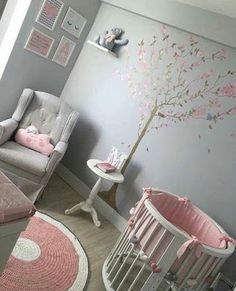 DIY nursery and baby room decorating! Ideas for you to produce a little paradise in the world for your little bundle. Lots of baby room decor concepts! Rose Nursery, Pink And Gray Nursery, Nursery Crib, Nursery Neutral, Monochrome Nursery, Nursery Ideas Girl Grey, Themed Nursery, Girls Bedroom Furniture, Baby Bedroom