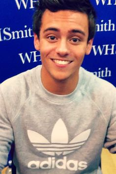 look at that face, and this my friends is why swimmers and divers will always be cuter than boy bands.