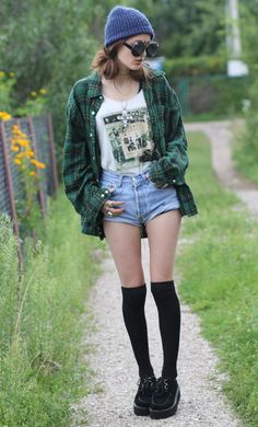 Thrifted Green Flannel Shirt with Sunglasses, Thrifted Vintage Levi's & Creepers Shoes - http://ninjacosmico.com/20-ways-flannel-shirts/3/
