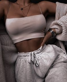 Cute Comfy Outfits, Lazy Outfits, Teen Fashion Outfits, Teenager Outfits, Retro Outfits, Look Fashion, Outfits For Teens, Chic Outfits, Trendy Outfits