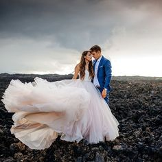 We haven't seen much of the dark & moody side of Hawaii in these wedding photos from Karina and Maks, but we sure like what we see! Romantic Wedding Photos, Wedding Pics, Wedding Shoot, Wedding Dresses, Wedding Ideas, Wedding Advice, Post Wedding, Tulle Wedding, Wedding Photoshoot