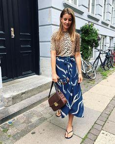 """Gefällt 356 Mal, 9 Kommentare - Karoline Dall (@karodall) auf Instagram: """"Sidste aften på Vesterbro inden vi imorgen flytter til Nørrebro🏡"""" Ny Style, Indian Designer Wear, Skirt Fashion, Spring Summer, Outfits, Floral, Skirts, How To Wear, Inspiration"""