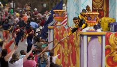 Krewe-of-King-Arthur-0013.jpg (550×321)..love the BIG details and great shading