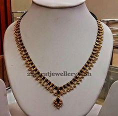 Jewellery Designs: Muvvala Haram with Black Beads Jewellery Designs: Muvvala Haram with Black Beads Gold Mangalsutra Designs, Gold Earrings Designs, Gold Jewellery Design, Necklace Designs, Gold Designs, Gold Jewelry Simple, Ring Verlobung, Beaded Jewelry, Bead Jewellery